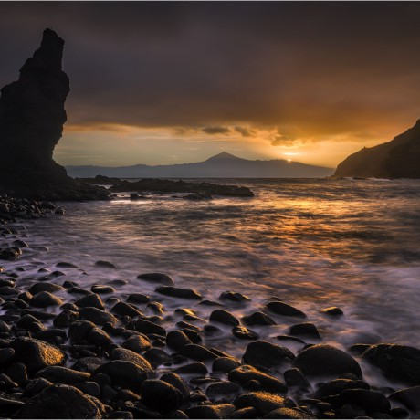 Sunrise above mount Teide at Playa de la Caleta, La Gomera, 04-2015.