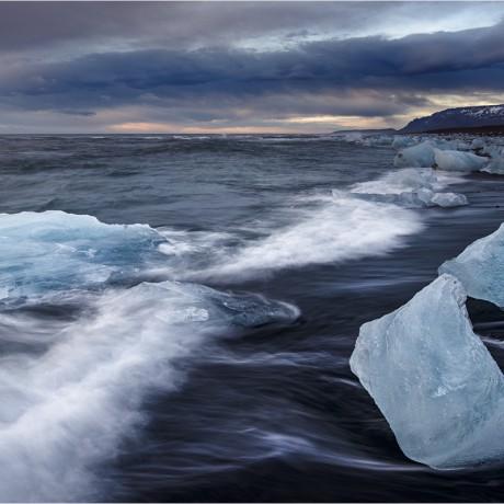 Jökulsárlón shore, Iceland